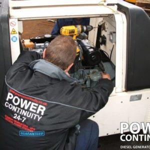 DieselGenerators_Engineers_109-400x400