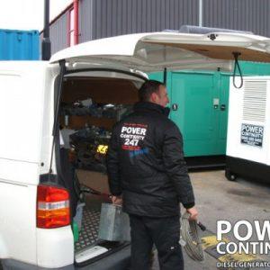 DieselGenerators_Engineers_111-400x400