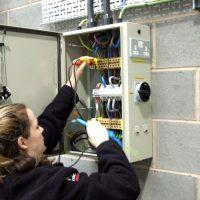 PowerContinuity_installation_engineers_05-400x400