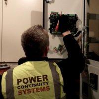 PowerContinuity_installation_engineers_211-400x400