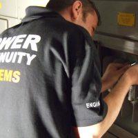 PowerContinuity_installation_engineers_49-400x400